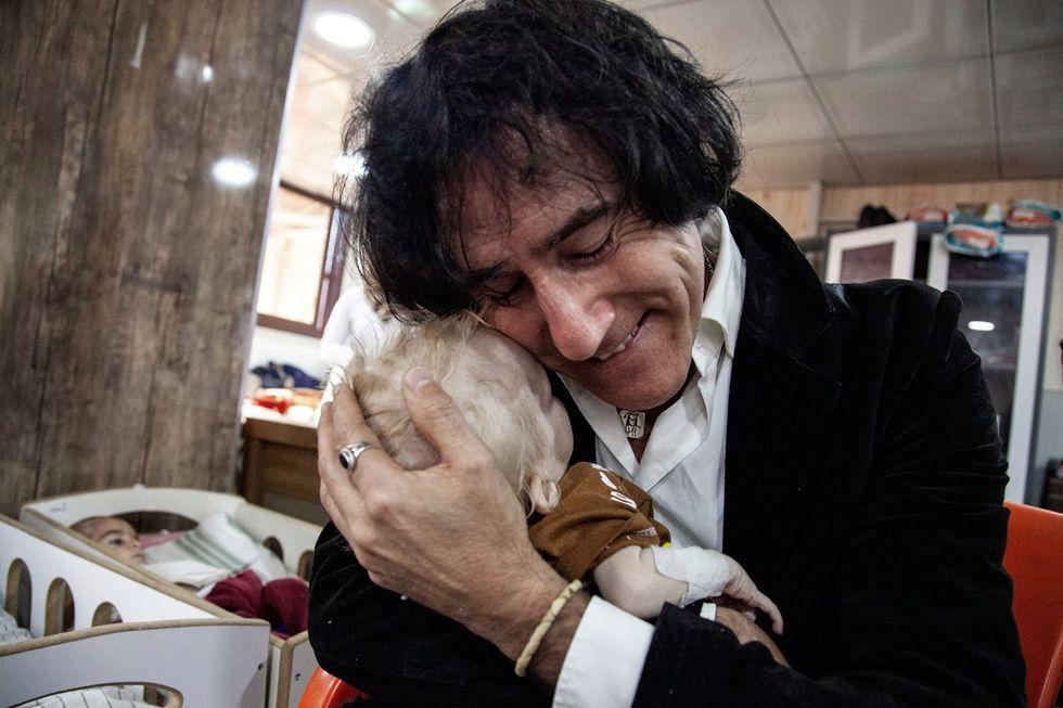 Efter en lång kamp fick Patricio Galvez ut sina barnbarn från fånglägret i Syrien.