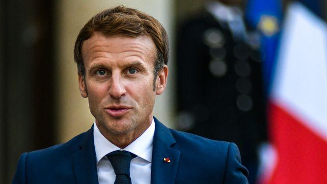 Emmanuel Macron ska samtala med Joe Biden och vill ha en förklaring.