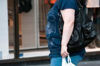 Att gå mycket motverkar övervikt enligt studier, även jämlikhet mellan könen tycks spela roll.
