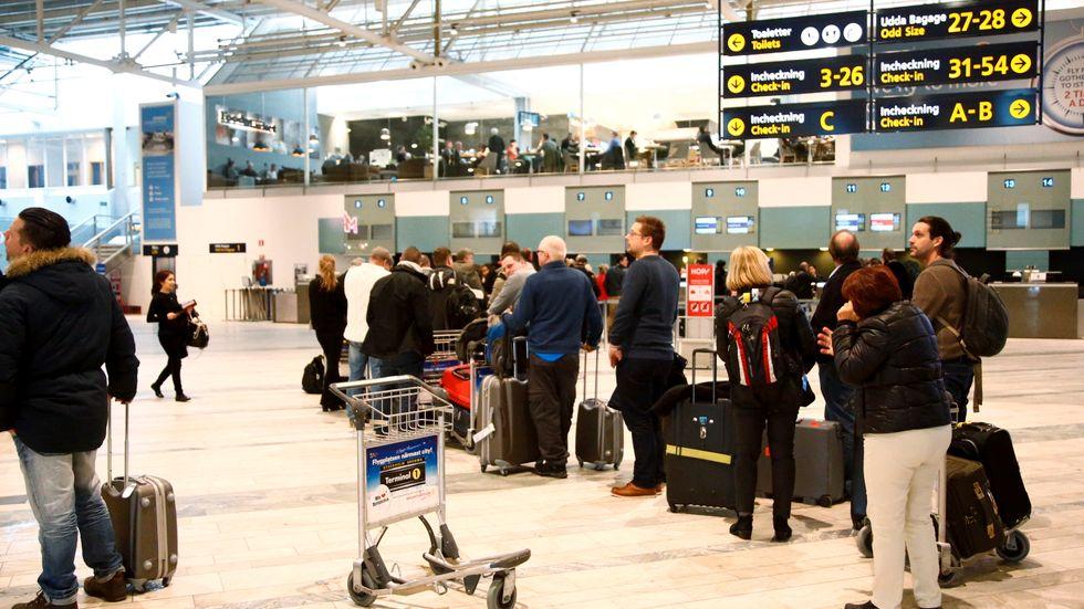 De nya EU-reglerna att automatiskt registrera flygpassagerares personuppgifter kan börja gälla i Sverige inom ett år. Arkivbild.