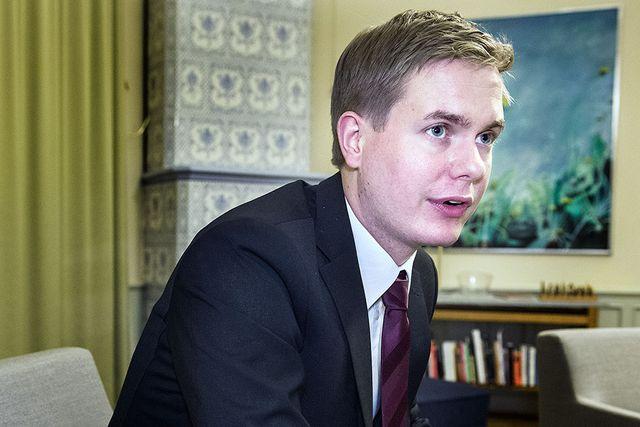 Utbildningsminister Gustav Fridolin (MP) har följt SvD:s Skolresan med intresse.