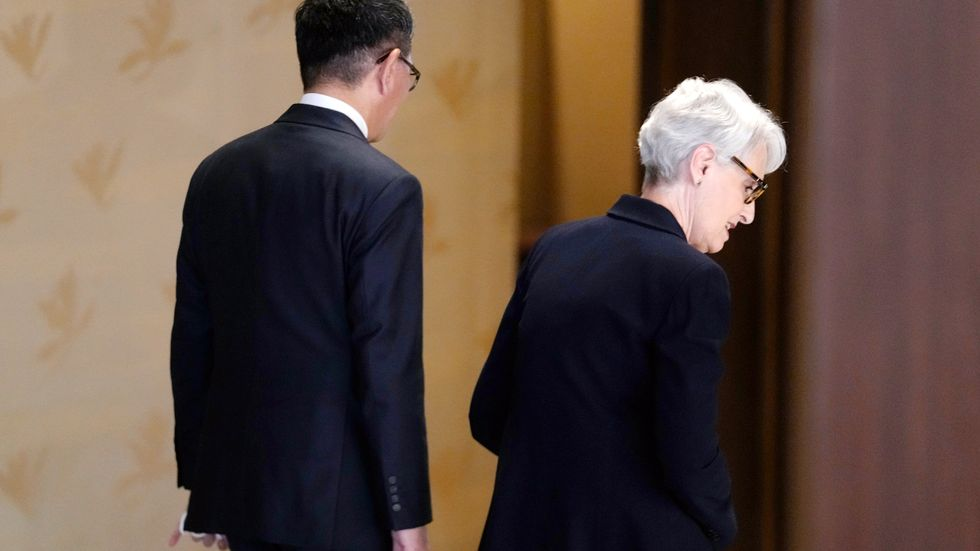 USA:s vice utrikesminister Wendy Sherman inledde sin Asienturné med ett besök i Tokyo i tisdags, där hon mötte sin japanske motsvarighet Takeo Mori.