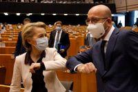 EU-kommissionens ordförande Ursula von der Leyen och EU:s permanente rådsordförande Charles Michel i EU-parlamentet i Bryssel.