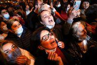 Protester i den armeniska huvudstaden Jerevan efter det att avtalet med Azerbajdzjan presenterats.
