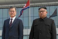 Sydkoreas president Moon Jae-In, till vänster, tillsammans med Nordkoreas ledare Kim Jong-Un under ett möte Pyongyang i september i fjol.
