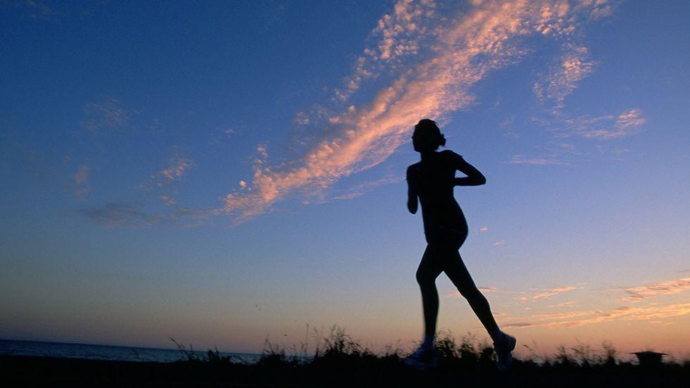 Gå inte ut för hårt och variera rundorna, råder löpningsexperterna.