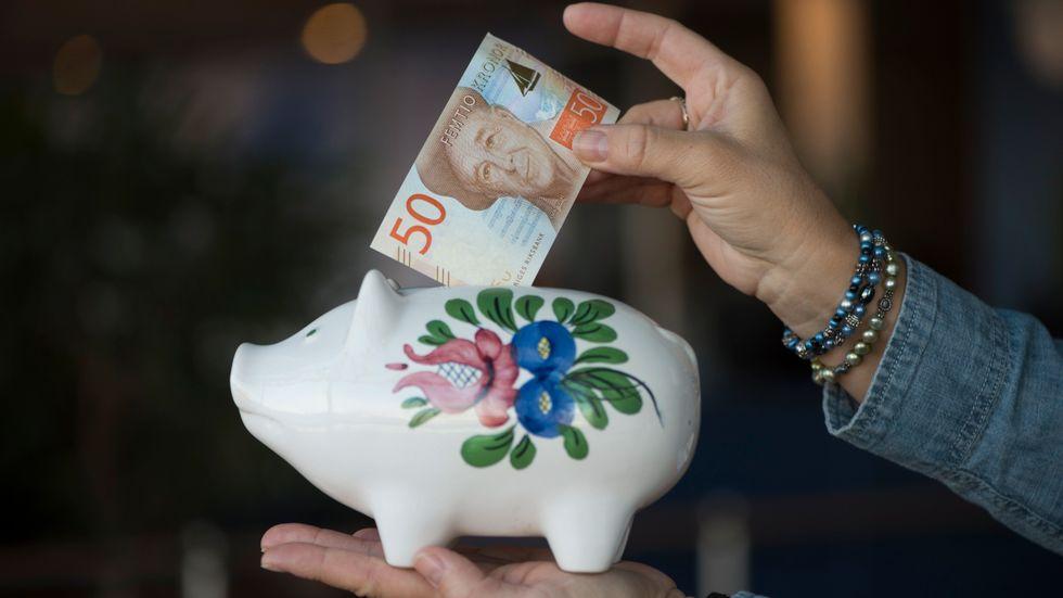 Svenskarnas fondsparande sköt i höjden under 2020. Enligt AMF:s fondrapport sjönk de genomsnittliga fondavgifterna på den svenska marknaden. Arkivbild.