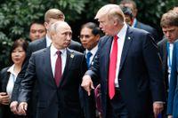 Rysslands president Vladimir Putin och USA:s president Donald Trump vid Apec-mötet i november 2017. Arkivbild.