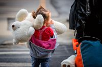 Pojken i femårsåldern som hittades död i Hagfors hade bara bott på hemmet i några veckor. Det är inte barnet på bilden som texten handlar om.