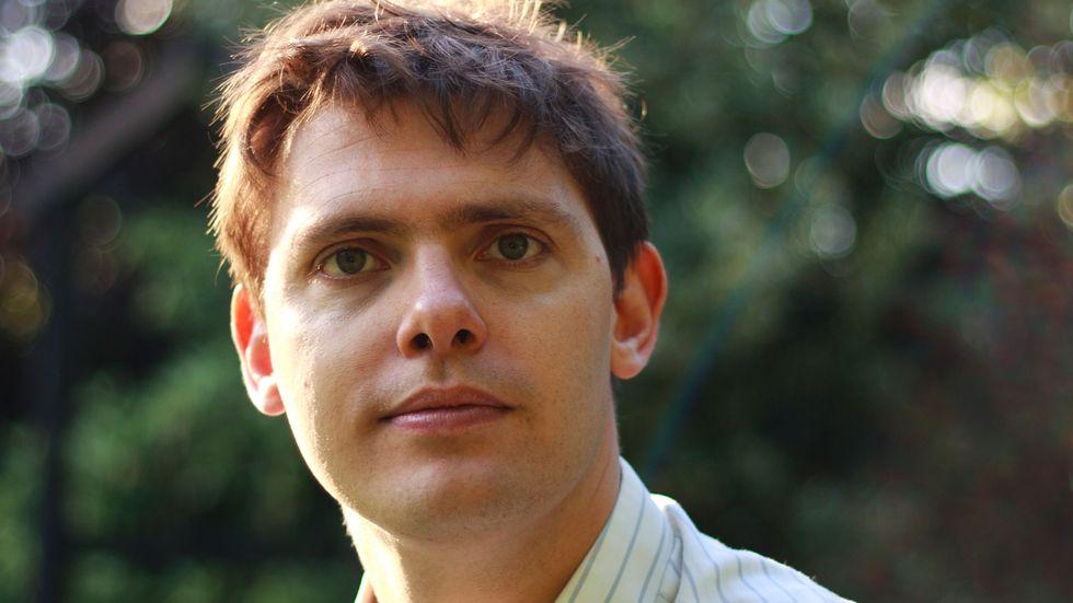 Tom Chatfield, 35 år, är fil dr i litteratur, författare och lärare på The School of Life i London. Han skriver bland annat i The Guardian och gör radio för BBC.