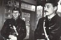 SvD-läsaren Anders Almén (till vänster) med poliskollegan Per Blomqvist på 1980-talet.