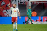 Emil Forsberg var säker från straffpunkten när Leipzig spelade 1–1 hemma mot Bayern München.