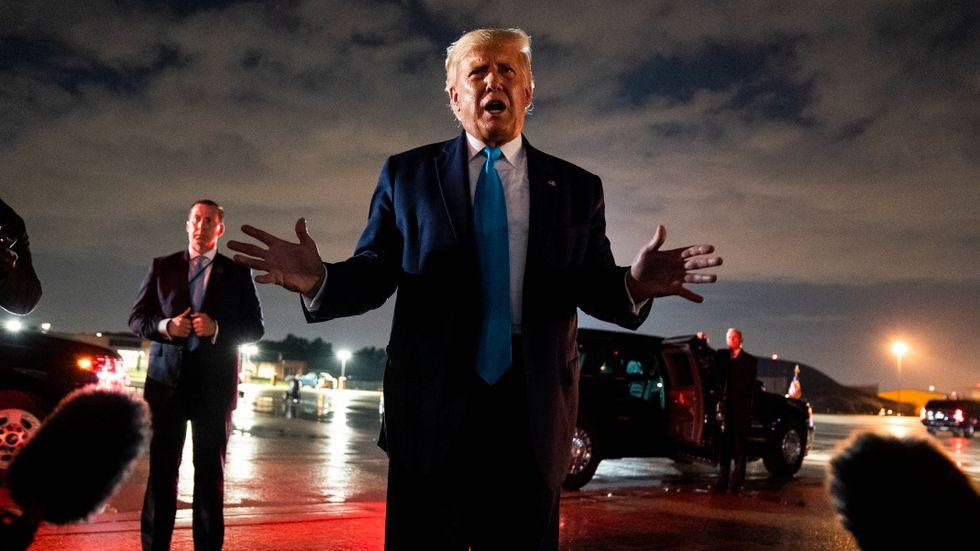 Trump förnekar uppgifterna att han talat nedvärderande om amerikanska soldater.