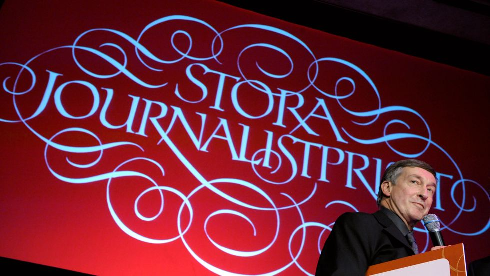 """Erik Fichtelius fick 2007 Stora journalistpriset som """"Årets förnyare"""" för SVT-dokumentären """"Ordförande Persson"""", men fick på grund av den också känna på hur det är att jagas av journalister."""