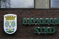 I Haparanda kommun föreslås sänkta löner för alla i kommunen för att rädda jobben.