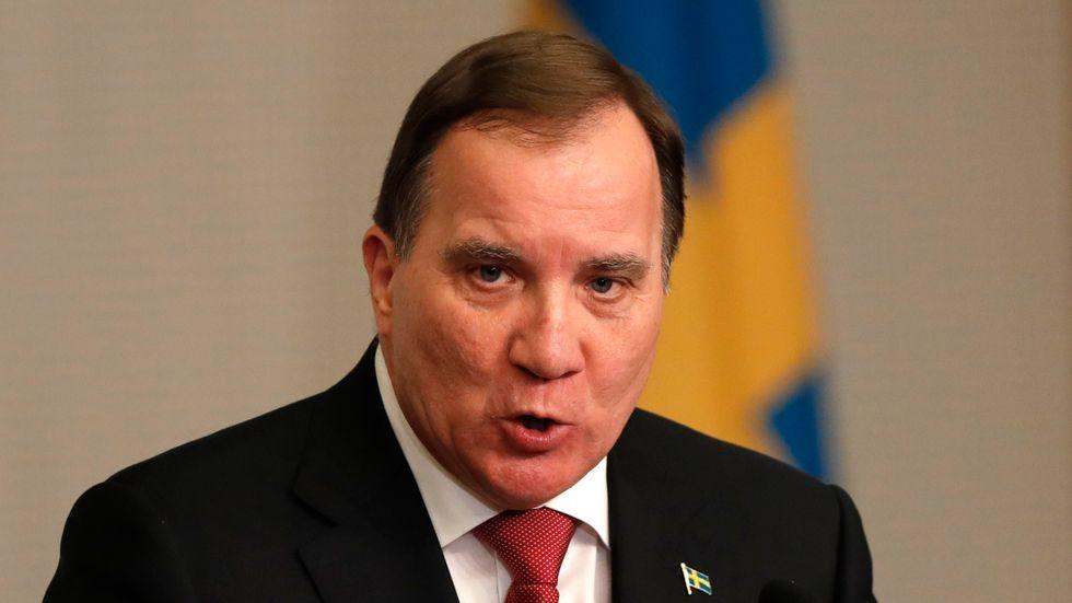 Statsminister Stefan Löfven, på besök i Sydkorea, är kritisk till Donald Trumps påhopp på Greta Thunberg.