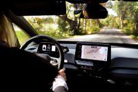 Försäljningen av elbilar, som exempelvis Volkswagen ID3, tros drabbas av nya politiska förslag.