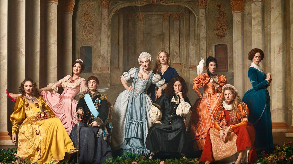 """Den dramatiserade dokumentärserien """"Drottningarna"""" har blivit föremål för en debatt om balansen mellan fakta, tolkning och drama."""