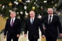 Vladimir Putin tillsammans med Kazakhstans president Nursultan Nazarbajev och Vitrysslands ledare Alexander Lukasjenko.