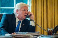 Donald Trump i samtal med Putin vid ett tidigare tillfälle. Nu har de talats vid på telefon igen.