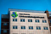 En man i 30-årsåldern har gripits efter att ha hotat att skada sig själv och andra på universitetssjukhuset i Örebro. Arkivbild.