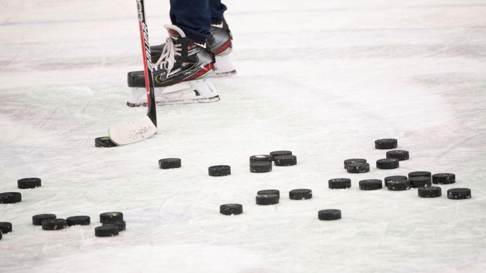 Hockeyallsvenska Väsby tvingas spela hemma borta sedan hemmaarenan stängts av säkerhetsskäl. Arkivbild.