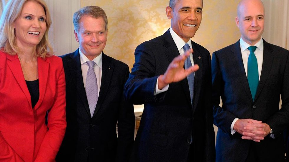 Stockholm 2013-09-04 U.S. President Barack Obama (C), Danish Prime Minister Helle Thorning-Schmidt (L), Finnish President Sauli Niinisto and Swedish Prime Minister Fredrik Reinfeldt (R) pose for a photo during a dinner in Stockholm, September 4, 2013. Obama is in Sweden on a two-day official trip before leaving for Russia, where he will attend G20 summit. REUTERS/Jussi Nukari/Lehtikuva (SWEDEN - Tags: POLITICS)  ATTENTION EDITORS - THIS IMAGE HAS BEEN SUPPLIED BY A THIRD PARTY. IT IS DISTRIBUTED, EXACTLY AS RECEIVED BY REUTERS, AS A SERVICE TO CLIENTS. NO THIRD PARTY SALES. NOT FOR USE BY REUTERS THIRD PARTY DISTRIBUTORS. FINLAND OUT. NO COMMERCIAL OR EDITORIAL SALES IN FINLAND Photo:  / REUTERS / SCANPIX kod 72000
