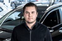 Jakob Larsson, säljchef vid Torvalla Bil Värmdö, berättar att fler väljer att privatleasa bilen istället för att köpa nytt.
