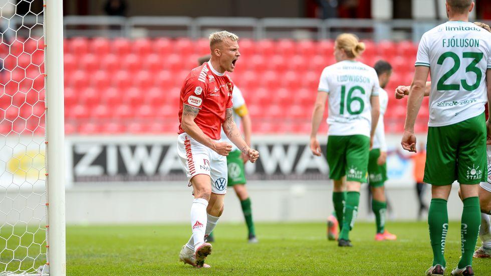 Kalmar FF:s Rasmus Sjöstedt jublar efter sitt 2–1-mål som gav segern mot Hammarby