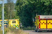 Ambulanser på plats då en pojke förts till sjukhus efter en drunkningsolycka i en pool norr om Avesta under fredagen.