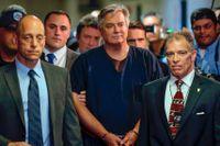 Paul Manafort anländer till rätten i New York, i juni 2019.