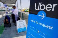 En upplockningsplats för Uber vid flygplatsen i Los Angeles. Arkivbild.