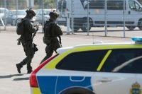 Polisens insats vid Hällbyanstalten under onsdagen.