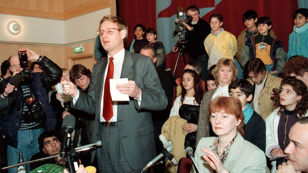 Dåvarande statsminister Carl Bildt (M) och hans invandrarminister Birgit Friggebo.