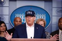 President Donald Trump under lördagens presskonferens.