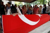 Minneshögtid hölls för en av de omkomna i terrordåden på flygplatsen i Istanbul.
