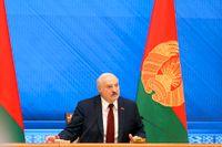 Belarus president Aleksandr Lukasjenko höll presskonferens på årsdagen av valet 2020.