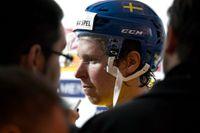 Sveriges nyckelspelare Nicklas Bäckström. Tre Kronor hade velat spela kvar i Köln, av logistikskäl.