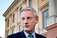 Carl Bildt är kritisk mot regeringen efter Nordeas flytt.