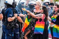 I helgen genomfördes en demonstration till stöd för hbtq-rättigheter i polska staden Czestochowa, under massiv polisbevakning.