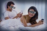 """Det är oroväckande att vi har mindre sex, anser sexologen Malin Drevstam: """"Vi har ett överflöd av utbud som kan ge omedelbar behovstillfredsställelse. Man tittar på Netflix istället för att ha sex eftersom det är bekvämare."""" Illustration: Staffan Löwstedt"""