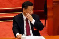 Xi Jinping – ännu inte president på livstid. Bilden är från måndagens sammanträde.