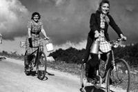 I Sverige blev cyklandet ett för många oumbärligt sätt att ta sig fram i lokalsamhället.