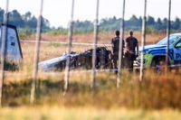 Samtliga ombord förolyckades i den svåra flygkraschen vid Örebro flygplats på torsdagskvällen.