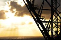 Olja är en råvara som rört sig kraftigt nedåt. Nästa Opec-möte kan ge en fingervisning om produktion och framtida prisutveckling.