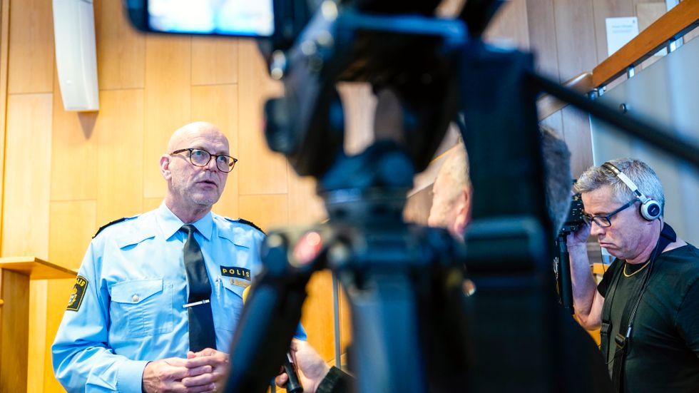 Pressträff med polisområdeschefen i Storgöteborg, Erik Nord efter att en polis sköts till döds i Biskopsgården på Hisingen i Göteborg.