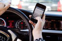 Få döms för att ha använt mobiltelefoner i bilen.