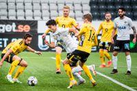 Örebros Deniz Hümmet är på väg att ta sig förbi sina gamla lagkompisar i Elfsborg.