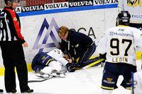 Oscar Sundh i HV71 slog huvudet i sargen mot Luleå den 9 oktober. Han är ännu inte tillbaka i spel.
