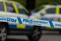 Polismyndigheten är självkritisk efter att en 13-årig pojke omhändertagits av polis efter att han påstås ha pekat finger åt en polisbil. Arkivbild.